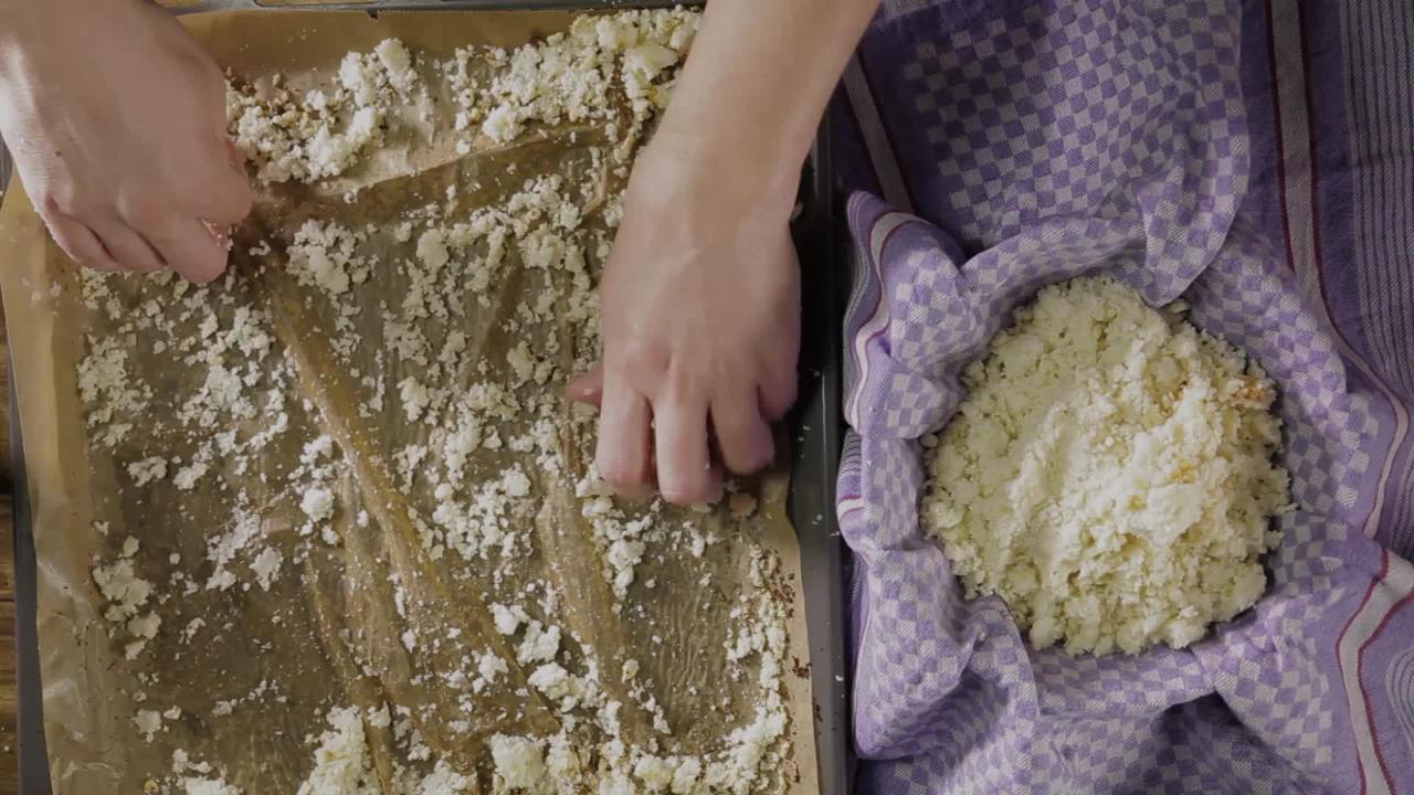 Low-Carb-Pizza: So geht Pizzateig aus Blumenkohl!
