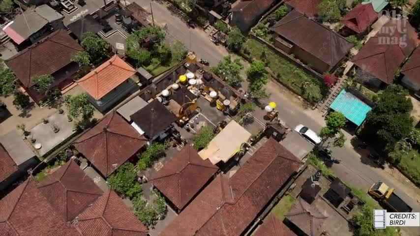Bonnie Strange: Raubüberfall auf Bali